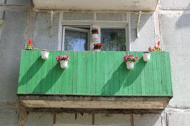 Gößere Wohnung mit Balkon