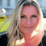 Alex Schmitz - Sie hat es sich zum Ziel gemacht die DMH® - Methode zu verbreiten und das Leben ein Stück weit besser und glücklicher zu machen